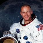 Kto pierwszy wysikał się na Księżycu?