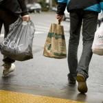 Torba plastikowa czy torba papierowa? Która jest mniej szkodliwa dla środowiska?